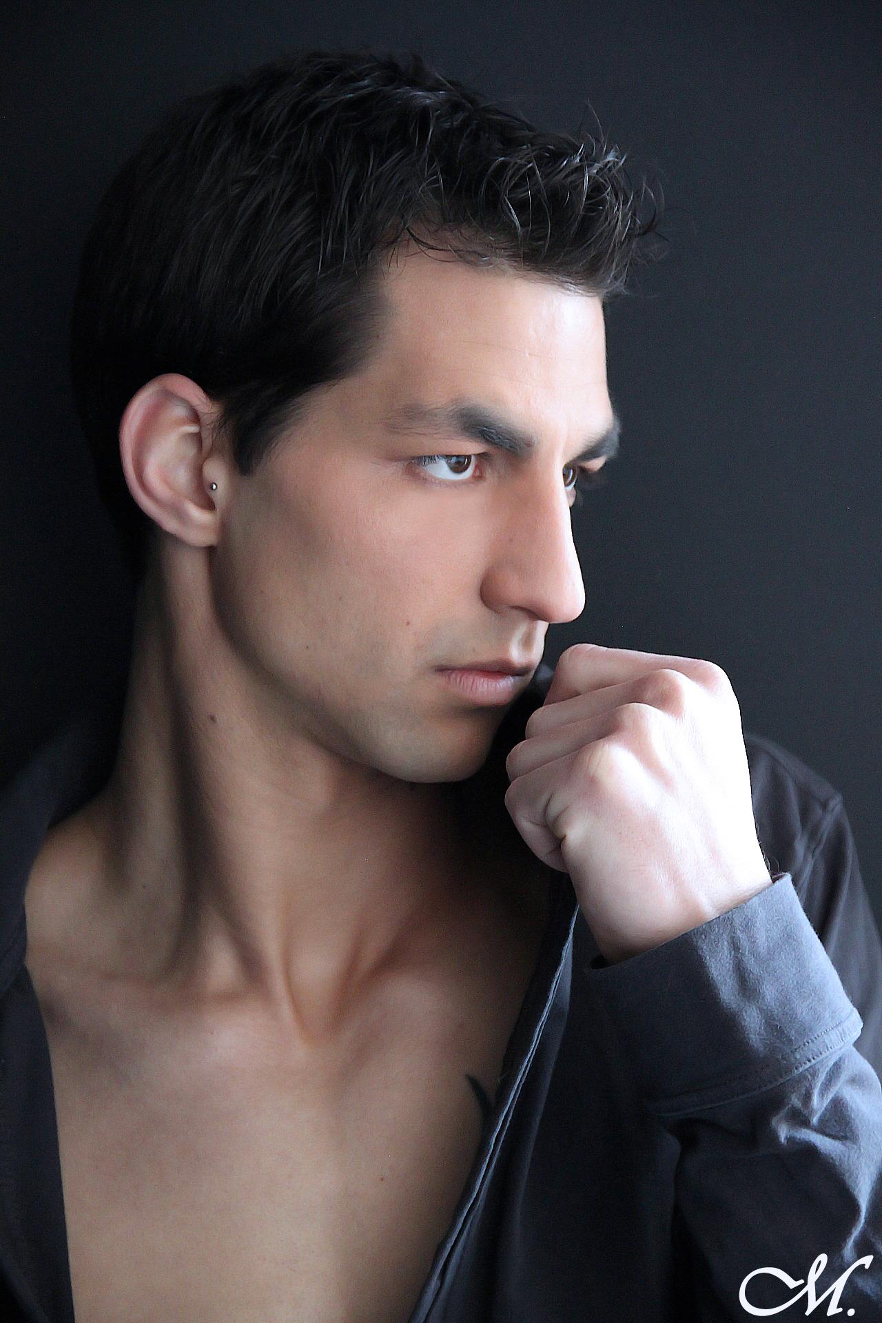 Logan, homme maquillé par bioSTUDIO