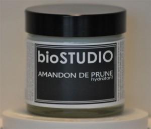 Produit cosmétique bio pour le visage, le corps et les mains